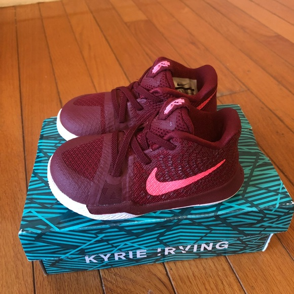 competitive price 3770e a11c5 Nike Kyrie 3 baby boy shoes NWT